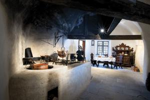hrad klenotnica kuchyna pisny